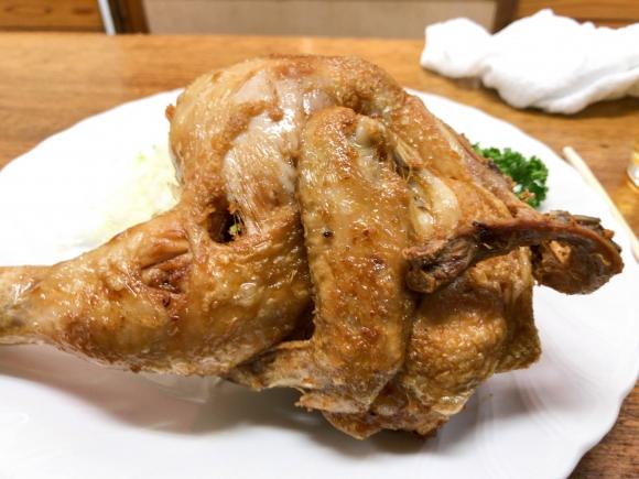 思い出の味の若鶏唐揚げとお通し 東京都葛飾区立石「鳥房」