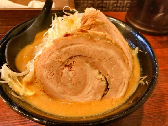 10年ぶりに再会できたラーメン屋で食べた味噌ラーメン 東京都新宿区新宿3丁目「萬馬軒」
