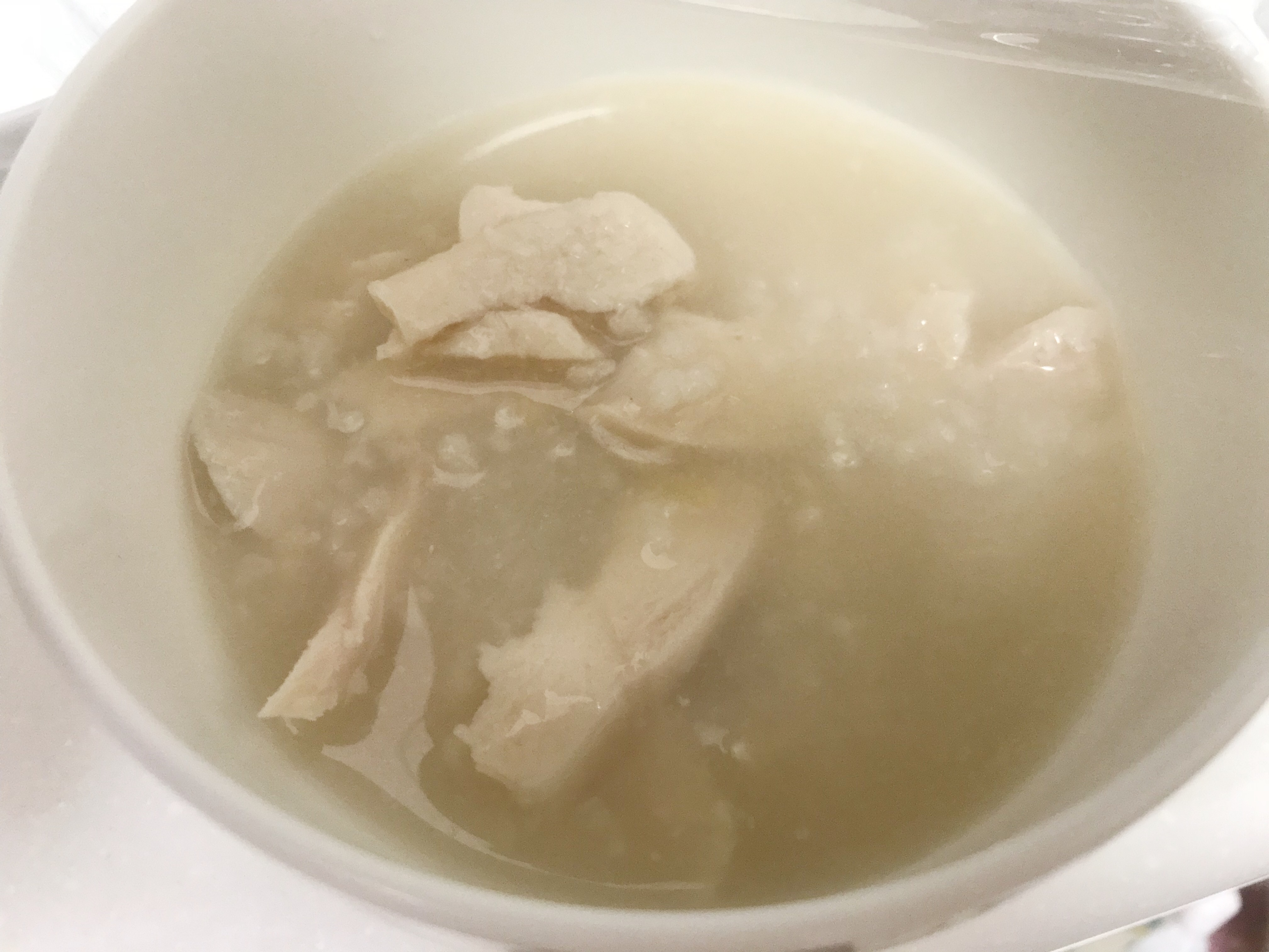 チキンとスープを混ぜる
