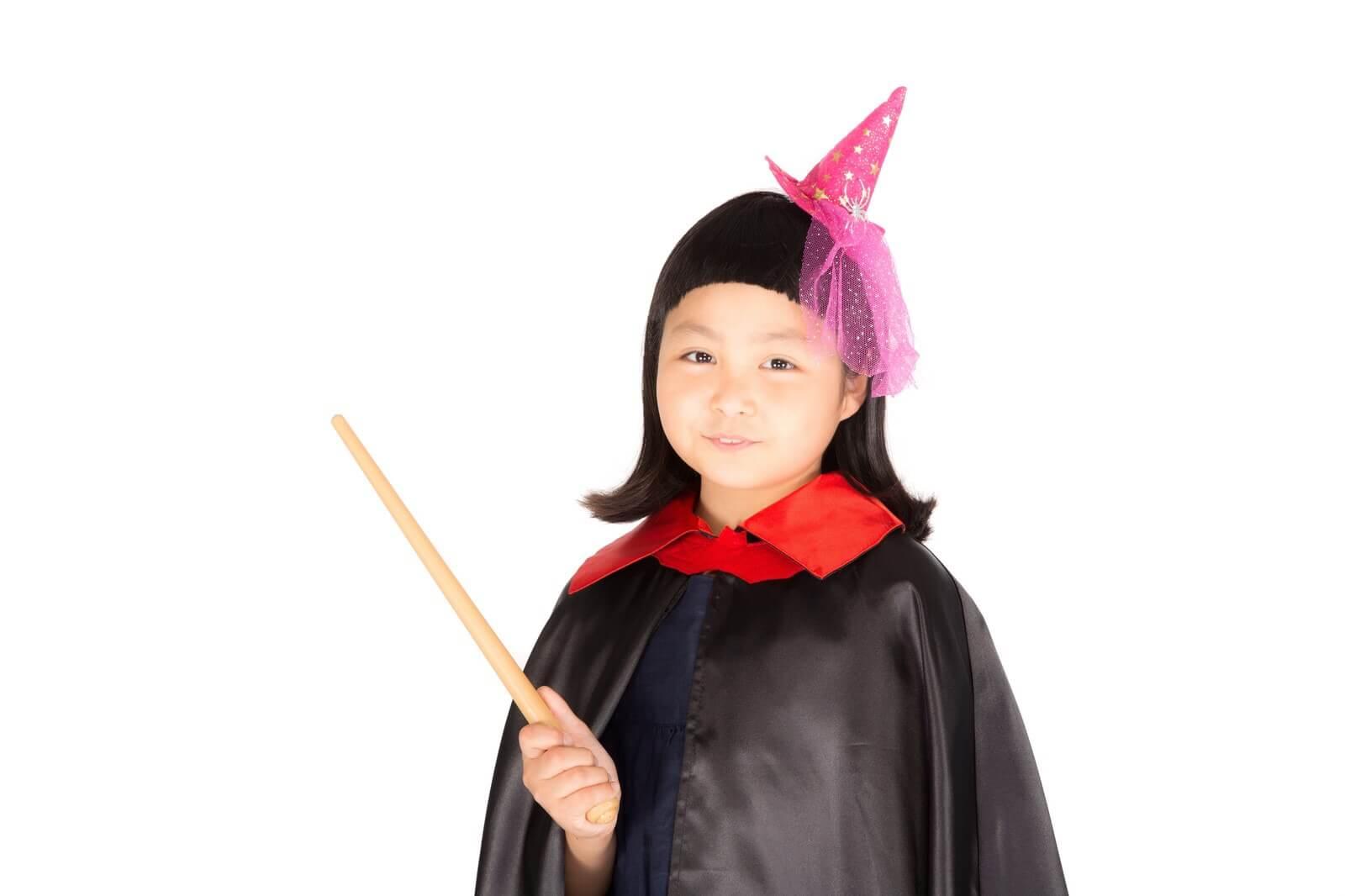 前髪パッツンの魔法使い少女